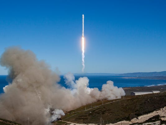 636495515665866211-iridium1-liftoff2.jpg
