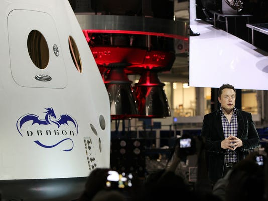 636512762748132200-spx-crew-dragon-unveil-musk-2014.jpg