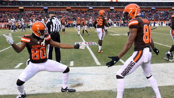 AP CHARGERS BROWNS FOOTBALL S FBN USA OH
