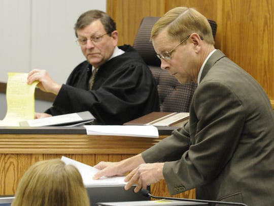 "Len Kachinsky, the Appleton attorney who represented Brendan Dassey for six months, gives testimony during a hearing in 2010 at the Manitowoc County Courthouse. Kachinsky has come under fire since the documentary ""Making a Murderer"" was released Dec. 18 on Netflix."