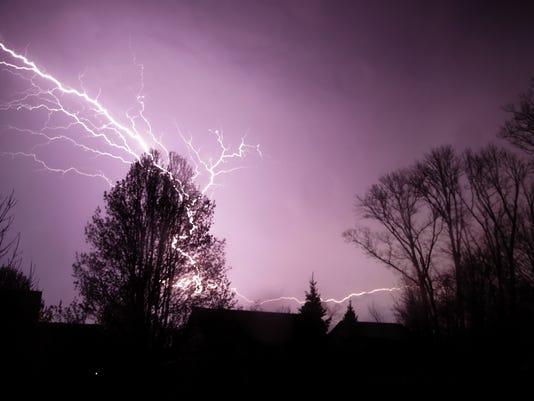 635947090611449625-Lightning-MM-001.JPG