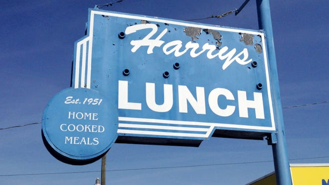 Harry's Lunch had continued serving homecooked lunches despite 2013's death of its namesake, Harry Ellinger. It closed Thursday.
