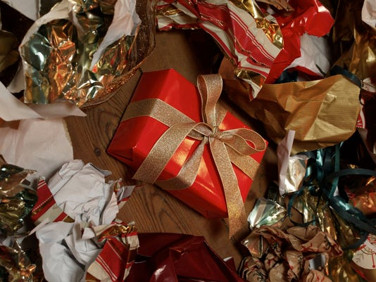 635865074879124130-Wrapping-paper.jpg