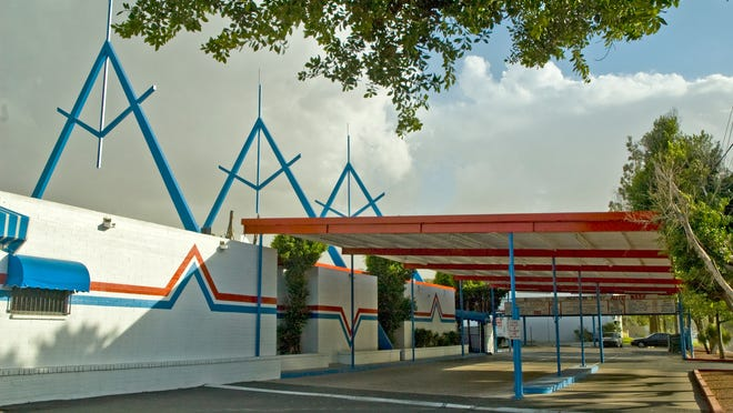 Rainbow Car Wash  at 3003 E. Indian School Road, is currently the Lindstrom Family Auto Wash,  was built in 1965.