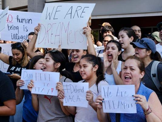AP YOUNG IMMIGRANTS TRUMP A USA CA