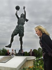 A statue of Jackie Stiles was unveiled at the Missouri