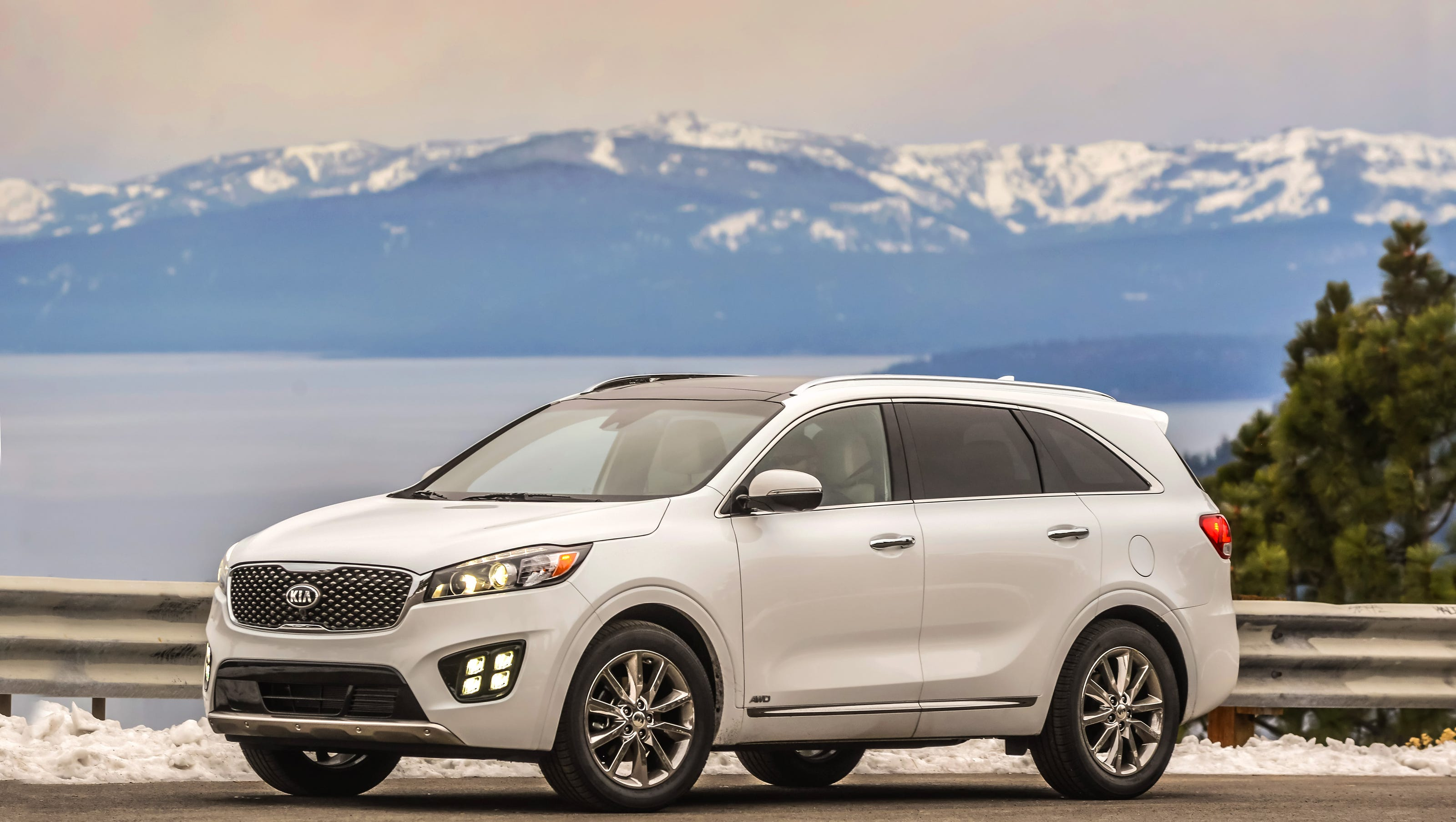 2016 Kia Sorento approaches luxury with lavish features and style