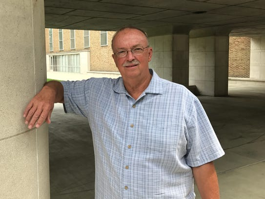 Larry Ruble, a tour guide for the Columbus Area Visitors