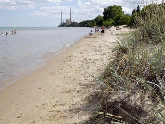 -she n Lake Michigan water levels 0722-gck-08.JPG_20150722.jpg
