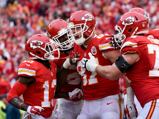 Travis Kelce, De'Anthony Thomas