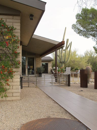 Cool home: Time and teamwork revive a Carefree ranch