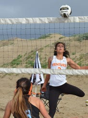 Cousins Janessa Simental of Ventura College and Cassidy