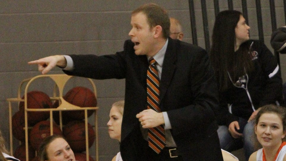 Trent Edsen, Grinnell Tiger girl's head coach, directs