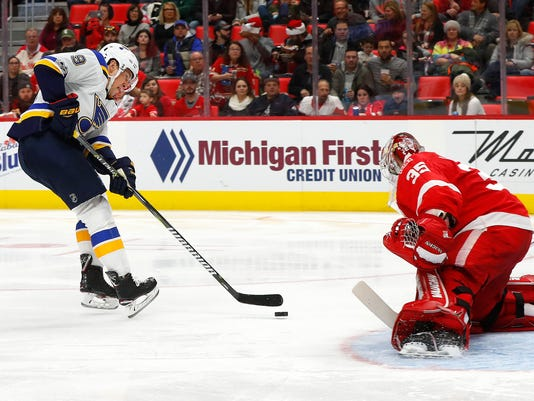636484306985785724-AP-Blues-Red-Wings-Hockey-MI.jpg