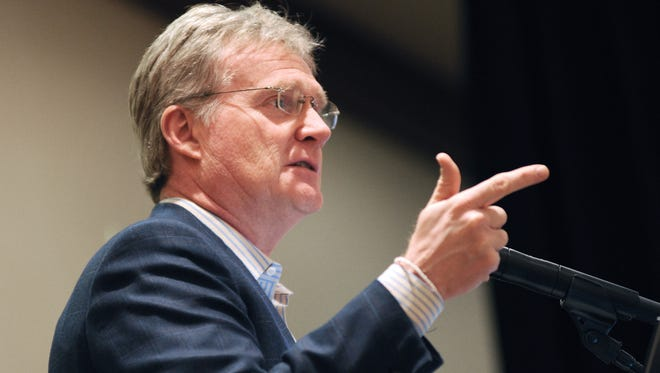 Tech executive Jim Davidson urged a luncheon crowd in Phoenix Thursday to pursue deals and investments that make sense.