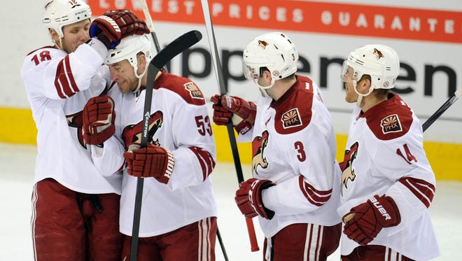 The Phoenix Coyotes took a big lead Friday against the Edmonton Oilers and barely held on.