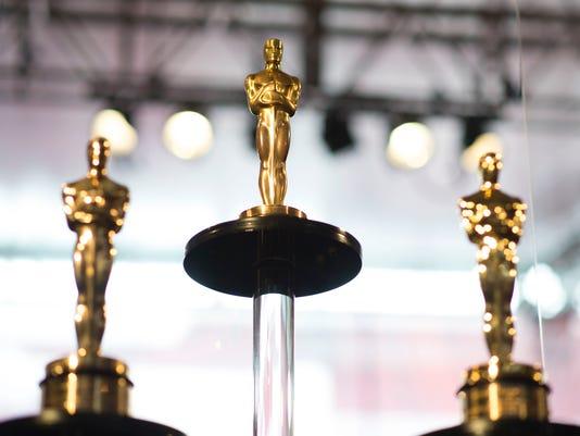 Oscar Statuettes Image