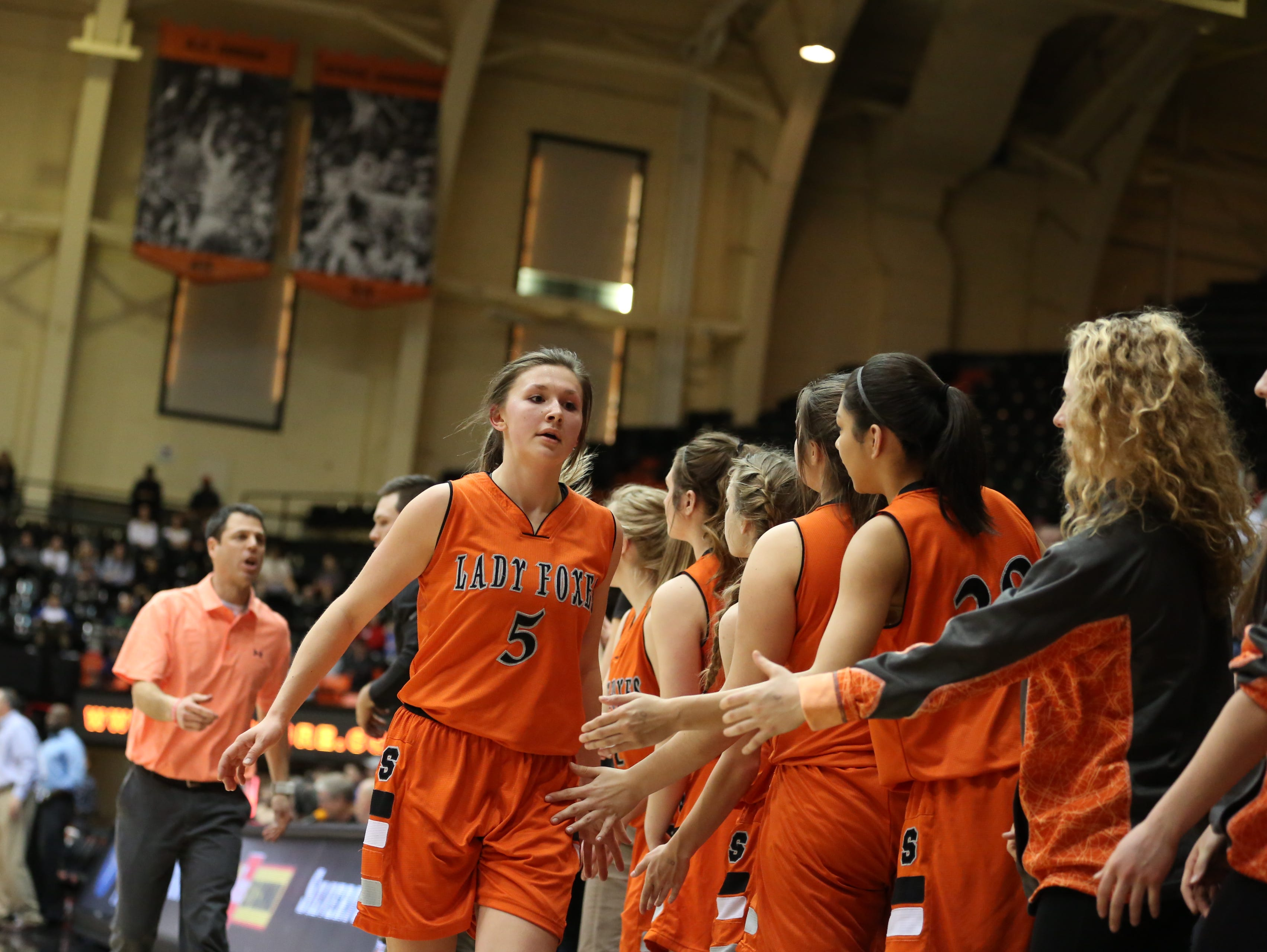 Silverton's Kayce McLaughlin and the Foxes fall to La Salle 42-28 in the OSAA Class 5A state championship on Friday, March 10, 2017, at Gill Coliseum in Corvallis.