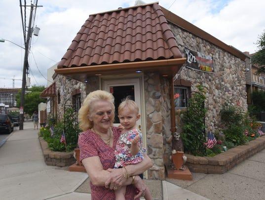 Gill-s-Tavern-80th-anniversary1