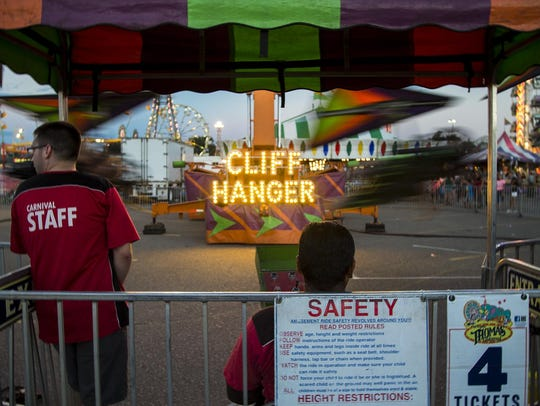 The Cliffhanger, a hang gliding ride, got 3.5 stars