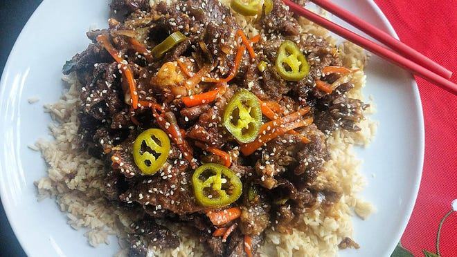 Shredded crispy beef with chili is a favorite Chinese take-out dish, and it's easy to make at home.