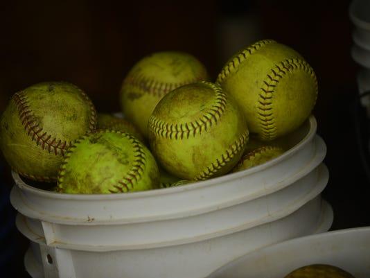 -Softball.jpg_20140508.jpg