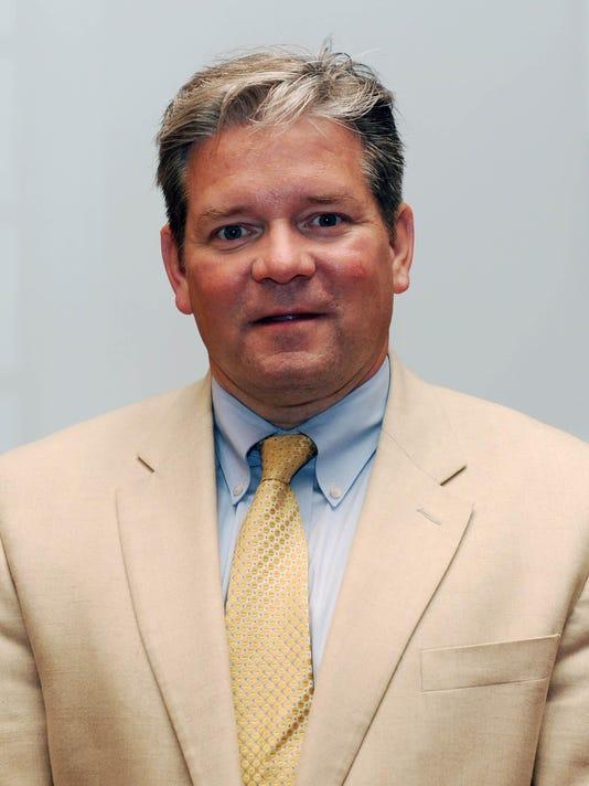 Dr Matthew J Robinson