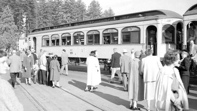 An Oregon Electric passenger train returns to Salem on a special trip Oct. 23, 1955. Passenger service on the line ended May 13, 1933.