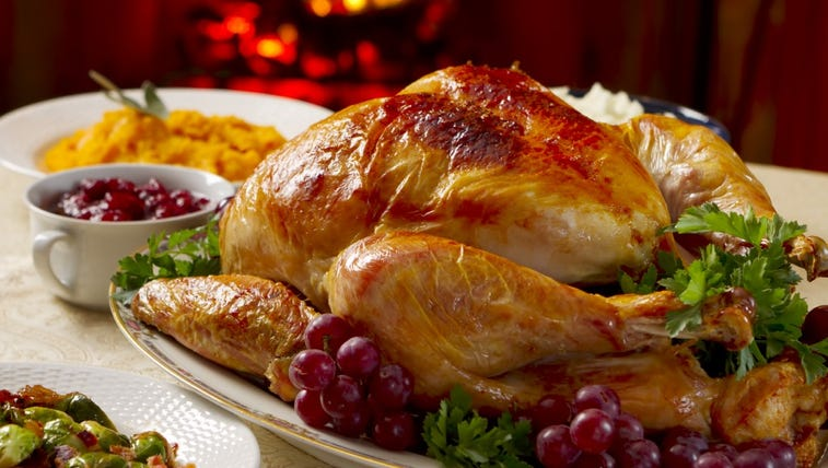 Places offering free Thanksgiving dinners in Maine.
