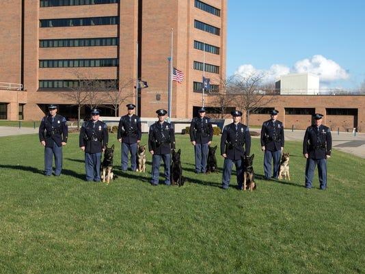 635861589301129059-MSP-Canine-Graduation-Photo-12-2015-1-.jpg