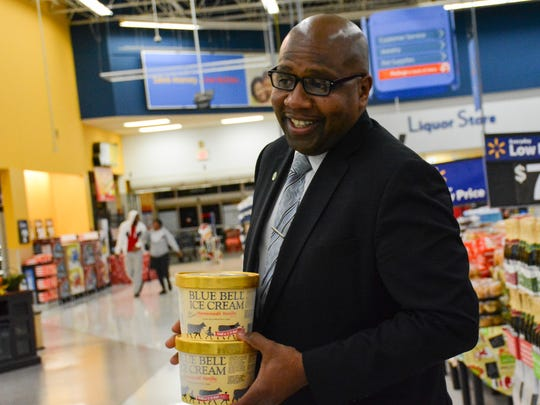 The first delivery of Blue Bell Ice cream arrives at Pinhok WalMart  (Photo: Scott Clause, Special to The Advertiser)