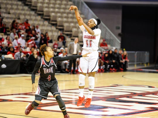 Jaylyn Gordon shooting a three pointer as the Cajuns take on Troy in the Cajundome. Jan 23, 2016.