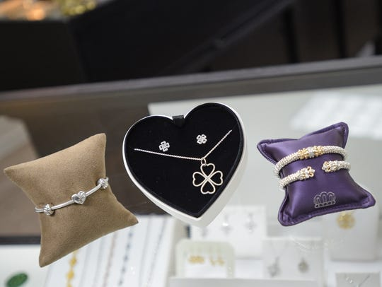 Valentines day gift ideas from Andy's Jewelry.