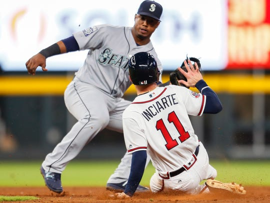 Atlanta Braves Ender Inciarte  is caught stealing second