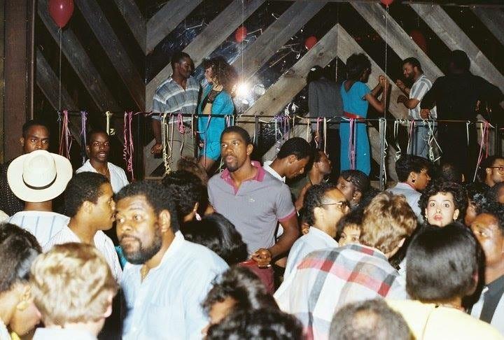 Walled lake mi teen clubs
