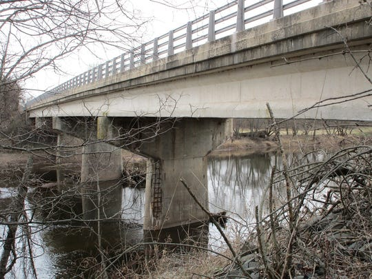 The preferred alternative for replacing the Picket Place bridge between Branchburg and Hillsborough does not involve a detour.