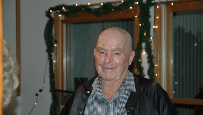 Melvin (Hap) Donald Niesent 85,of Windsor died peacefully at his home  Thursday November 13, 2014.