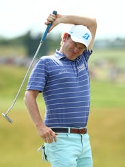 Brandt Snedeker reacts to missing his putt on the 18th