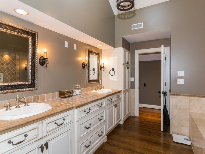Hot property zionsville ranch is equestrian s dream home for Kitchen cabinets zionsville