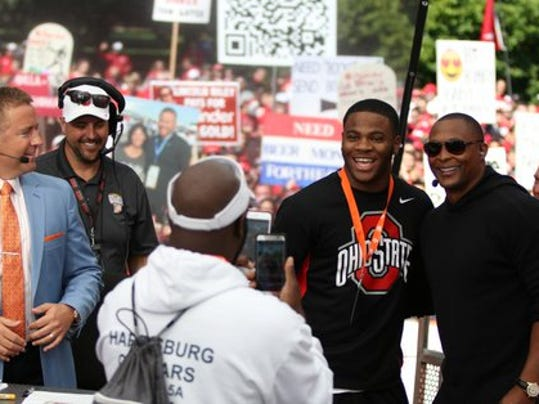 Micah Parsons on the College GameDay set (Photo: @thelantern/Twitter)