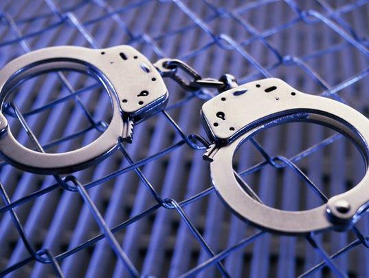 636527697803112693-Cuffs5.jpg