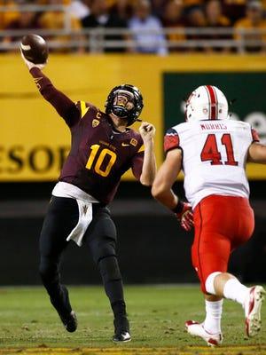 Arizona State quarterback Taylor Kelly throws a pass against Utah on Saturday, Nov. 1, 2014, at Sun Devil Stadium in Tempe.