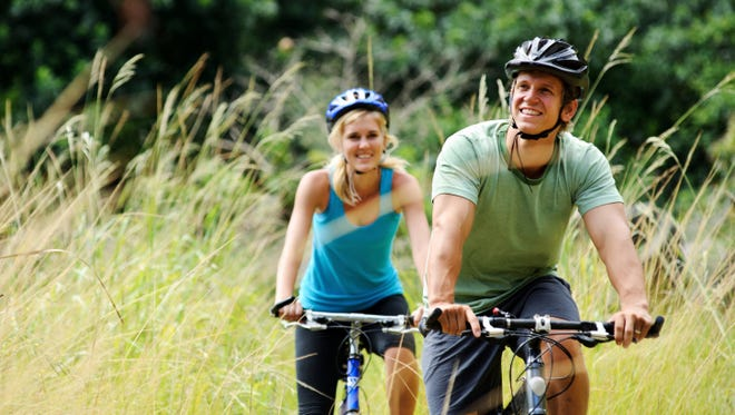 mountainbike couple outdoors.
