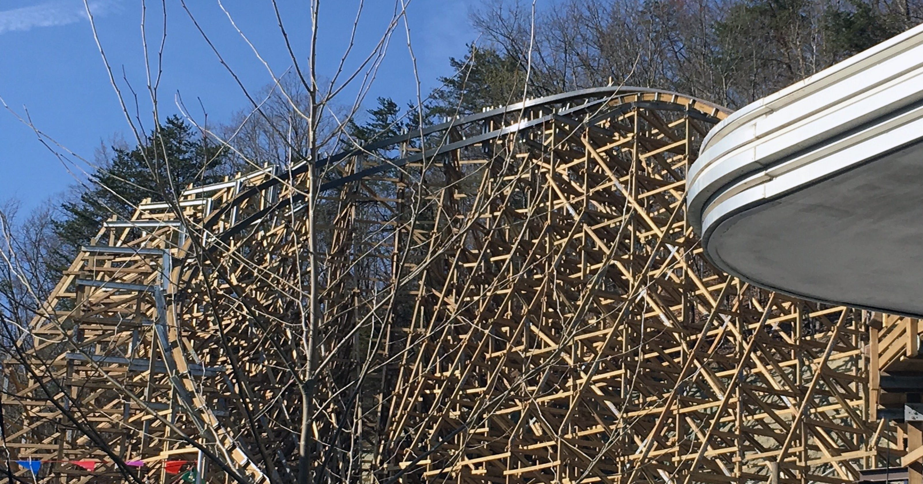 Dollywoods Lightning Rod Brought To A Halt By Recall