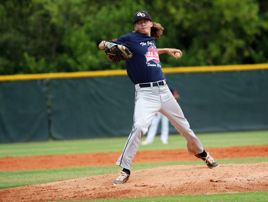 Gulf Coast's Andrew Shivak pitces for the National