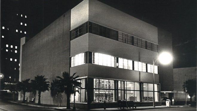 La Retama Library on Mesquite St. in downtown Corpus Christi in December 1979.