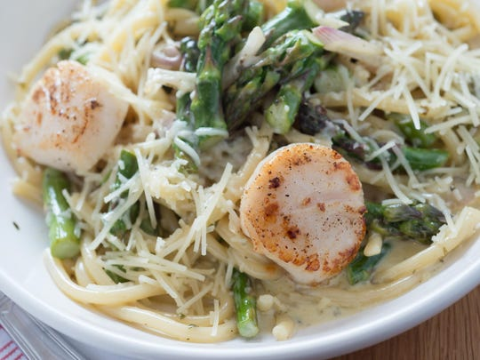 Buccatini with scallops