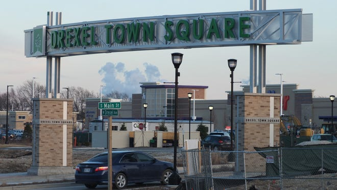 Oak Creek's Drexel Town Square.