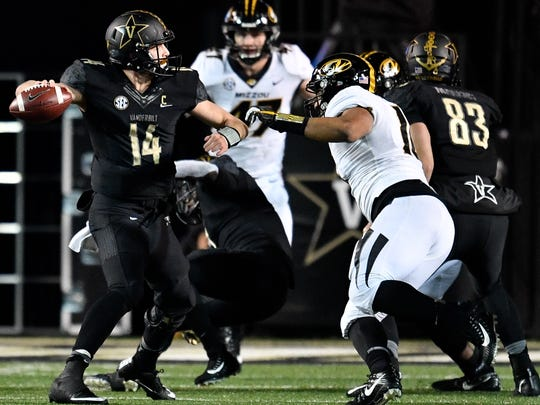 Vanderbilt quarterback Kyle Shurmur (14) looks for