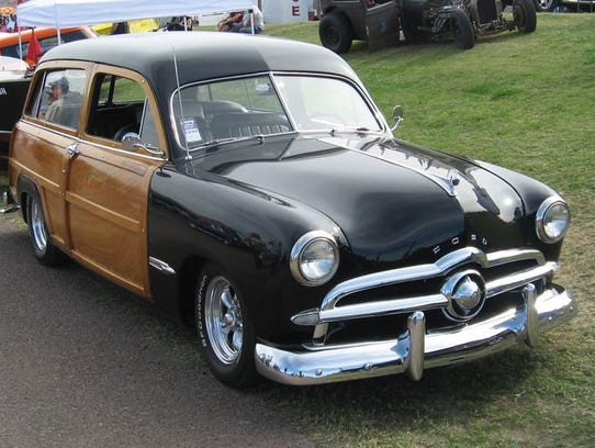 Amantes de los autos clásicos pueden disfrutar de un